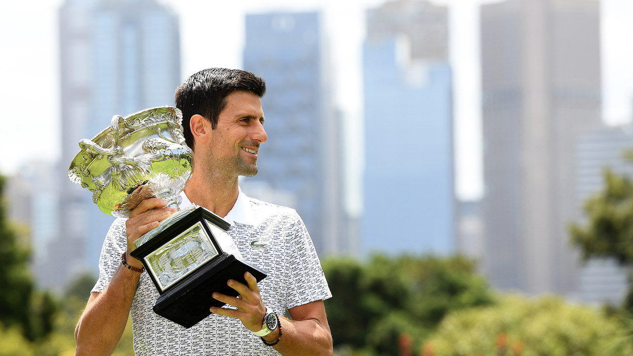 Photos Novak Djokovic Sofia Kenin Pose With 2020 Australian Open Trophies Official Site Of The 2020 Us Open Tennis Championships A Usta Event